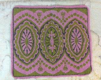 Vintage 1960s Face Wash Cloth Pink and Green Terri Cloth Groovy