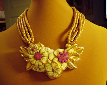 Vintage 1993 Laurel Burch Signed Exotic Tropical Flowers Necklace Gold Pink White 9171