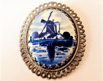 Dutch Windmill Delft Brooch... Blue and White Ceramic