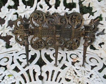 Vtg 1978 Medieval Gothic Victorian Scroll Look Syroco Style 3 Arm Candle Holder Wall Sconce, Hollywood Regency