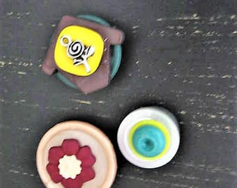 Vintage Buttons and Bits Magnet Set / Upcycled Vintage Buttons for Magnetic Board / Bright Bold Fun Magnets for Home, Kitchen, Office