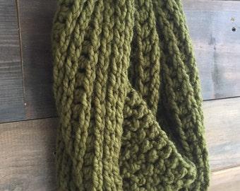 Green Chunky Infinity Scarf Crochet