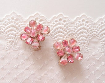 1950s Rosy Pink Givre Art Glass clip on earrings diamond square Sabrina kite stones