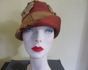 Vintage Antique Sisal Type Burnished Rust Brown Flapper Girl Cloche Hat with Velvet Flowers
