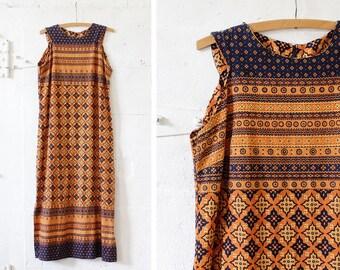 Batik Dress M • 70s Maxi Dress • Boho Maxi Dress • Fall Dress • Cotton Dress • Autumn Dress • Maxi Dress Boho • Shift Dress | D1050