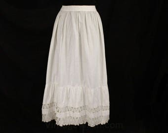 Size 10 Victorian Petticoat - Antique 1900s White Cotton Underskirt - Jagged Hand Crochet Lace - 1880s Era Skirt - Waist 29 - 48764