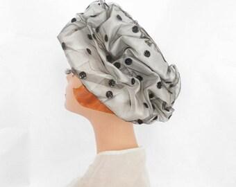 Womans 1960s hat, vintage black and white mod scrunch