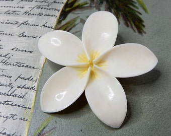 Hand Carved Hawaiian Plumeria Flower Brooch Pin    NCY43