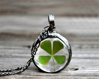 Four Leaf Clover, Clover Necklace, 4 Leaf, Leaf Necklace, Greenery Jewelry, Terrarium Necklace, Good Luck Charm, St. Patricks Day (2706)