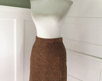 Sexy VINTAGE Leopard Leather 1980s 90s Animal Print Straight Fitted Pencil Secretary Wiggle Skirt