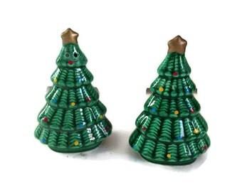 Vintage 1984 Christmas Tree Salt & Pepper Shakers, Made in Korea, Ceramic Christmas Tree Salt and Pepper