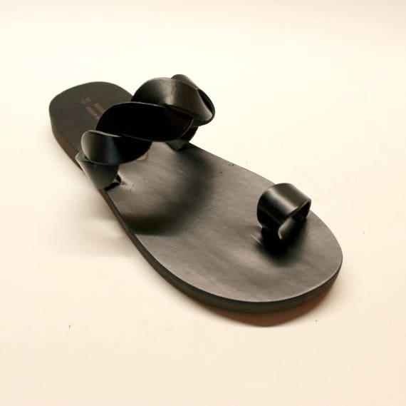 Greek sandals, black toe sandals. black leather  sandals size 37 U.S. 6-6.5 sandales grecques noir