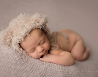 Newborn fuzzy Teddy bonnet