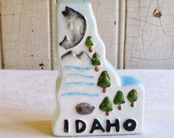 Vintage Idaho Souvenir Shaker - State Shaped Ceramic Shaker - Made in Japan - Mid-Century 1960s - Salt or Pepper Shaker - Pine Trees, Fish