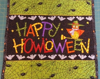 Hand Made Quilt Wall Hanging Halloween Owls Midnight Masquerade Happy HOWLoween