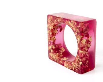 magenta and gold eco resin square bangle with suspended gold leaf