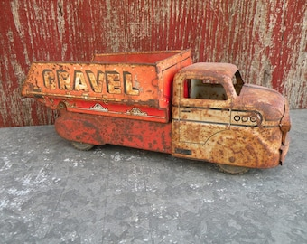 Vintage toy Sand & Gravel metal Marx truck  , chippy paint , very rusted , worn Perfect patina Sweet display