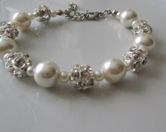 Ivory pearl bracelet with rhinestone balls  - Bridal bracelet - Bridesmaid bracelet - Bridal under 25