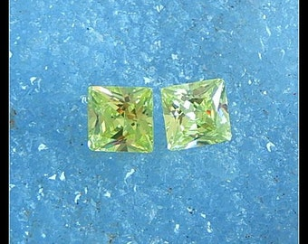New,Zircon Faceted Cabochon Pair,8x8x5mm,1.7g