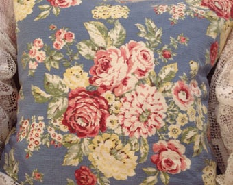 Vintage Waverly Pillow Cover Gorgeous cabbage roses and summer time flowers
