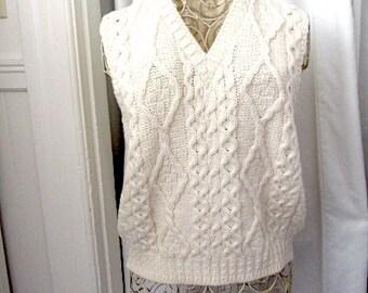 Vintage Irish vest, unisex cable vest, Irish wool sweater, cream wool vest, merino wool vest, Irish wool, Fishermans vest, V neck vest