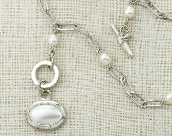 Vintage Silver Pearl Necklace Y Toggle Lariat Style Necklace Layering Costume Jewelry 16D