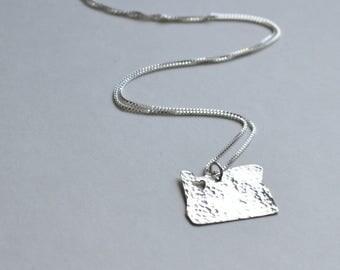 Oregon Necklace. Custom Silver Oregon State Portland Heart Home Beavers Charm. University of Oregon Ducks Pendant with Heart.Jewelry Gifts.