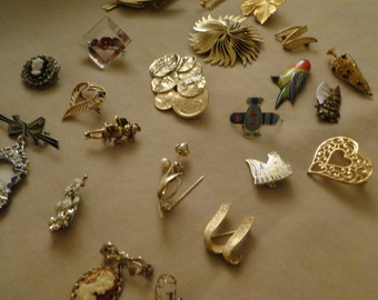 Lot of  22 ladies brooches pins steampunk repurpose design parts repair industrial