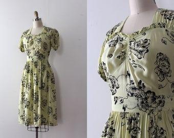 vintage 1940s floral dress // 40s novelty floral dress