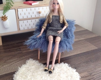 1/6 Scale Faux Fur Club Chair in Blue for Dioramas or Fashion Doll House