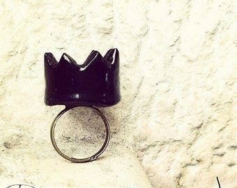 Prospero, ooak clay ring black crown minimal