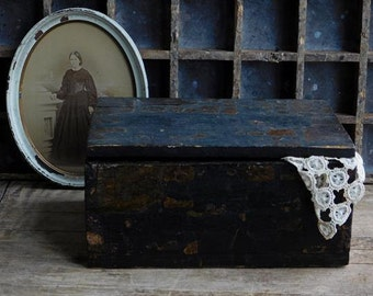 Antique Primitive Wooden Box with Lid