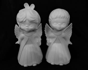 Kissing Angels Vintage Pair of Ceramic Angels in White - FREE Shipping