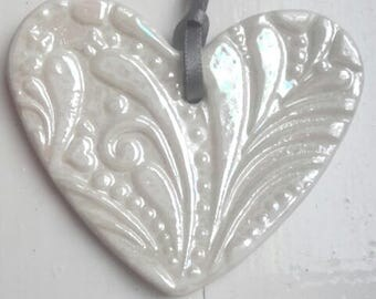 Porcelain Patterned Heart - Mother of Pearl