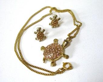 Vintage Rhinestone Turtle Necklace Earring Set, pink pave rhinestones, rhinestone jewelry set, petite, stud earrings, Gift Idea, Excellent