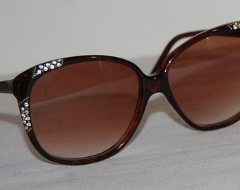 80s Oleg Cassini Sunglasses Wild Big Eye Brown Tortoise Shell Plastic White Rhinestones Vintage Statement