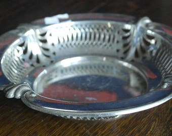 anque silver plate ornate fruit bread serving bowl