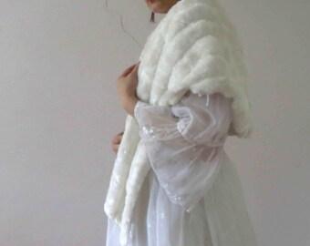 Vintage 60s White Faux Fur Cape Stole Vegan One Size