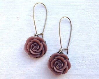 Romantic Rose Earrings/Brown Earrings/Rose Earrings/Rustic wedding Earrings/Bridesmaid Earrings/Mother's Day Gift/Brown Flower Earrings