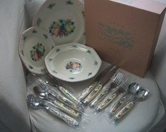 Vintage Avon Sweet Country Harvest Complete Dinner Set For 2