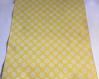 Vintage Wallpaper-1960s sweet white daisies on yellow- by Old Stone Mill-by the yard