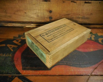 Vintage S W card manufacturing co. wooden box