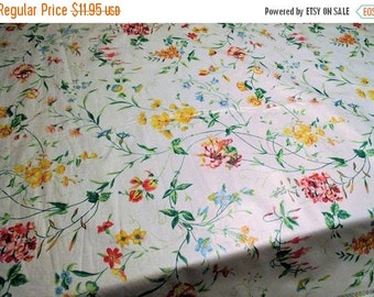 Spring SALE 20% Off Vintage Fabric by Waverly, Garden Trail, Polished Cotton, Perfect Print For Spring, By The Yard~Bermuda Colle