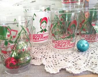 Kitsch Christmas Cup Set - New Vintage Plastic Holiday Plastic Glassware, Retro Barware Set, Party Glasses, Vintage Disposable Glasses