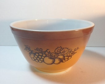 Vintage Pyrex 1.5 Pint OLD ORCHARD Mixing Bowl, No. 401