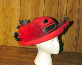 Gorgeous RED & BLACK Feathered Vintage DERBY Hat