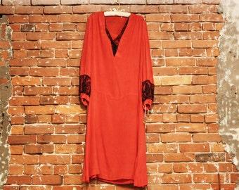 Vintage 1920s Dress / Red Silk Drop Waist V Neck Dress with Black Lace / 1920s Flapper Style