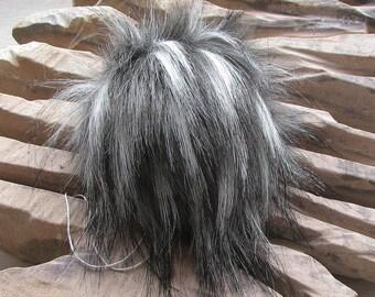 Lot 10 Faux Fur Pom Pom ,   Black White