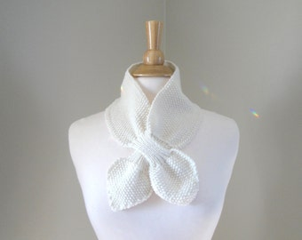 Ascot Scarf, Off White, Pull Through Knit Scarflette, Neck Warmer, Merino Wool