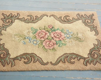Hand Hooked Floral Rug